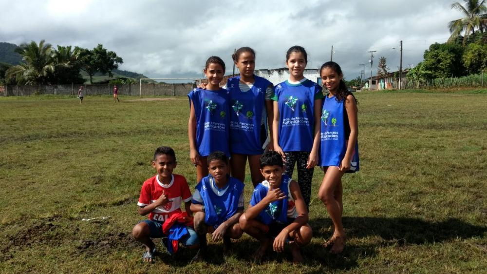 Torneio de futebol movimenta os alunos da Escola Municipal Lúcio Fidelis