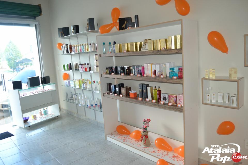 Inauguraç u00e3o da loja Bella Flor Perfumaria& Cosméticos # Decoração De Loja Pequena De Cosmeticos