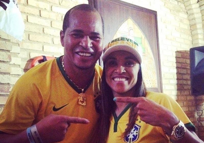 Assim como o Aloísio Chulapa, você concorda com a proposta de mudar o nome do Estádio Rei Pelé para Rainha Marta?