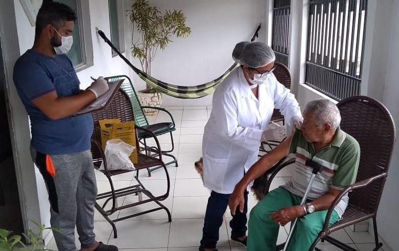 Campanha de vacinação contra a gripe em Atalaia.