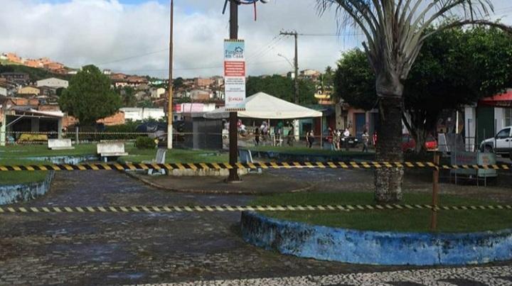Prefeitura de Atalaia isola praças do município para evitar aglomerações