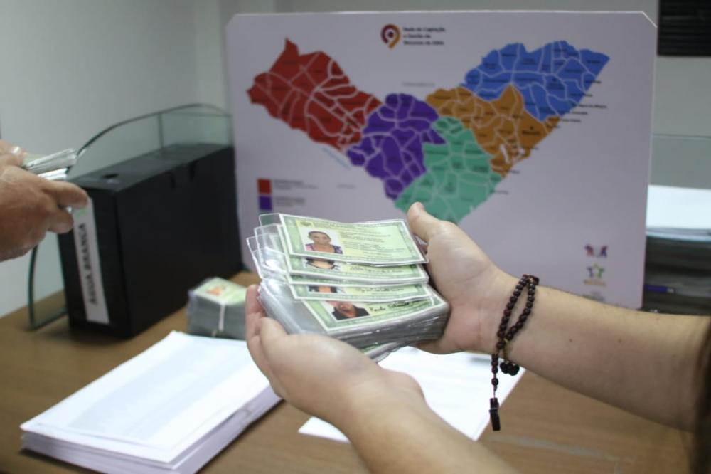 Em parceria com a AMA, Prefeitura de Atalaia entregará RGs solicitados por atalaienses