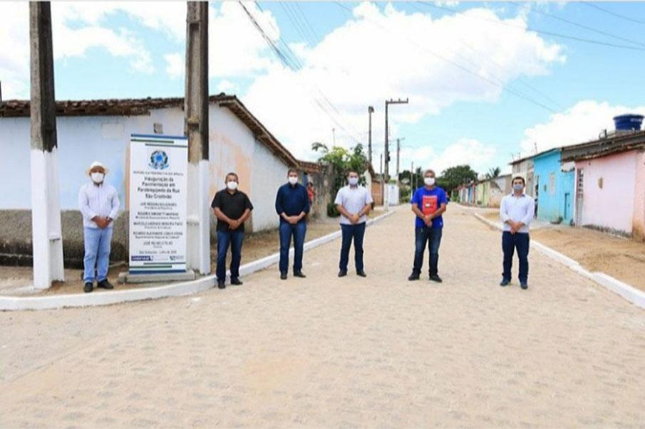 Elvio Brasil é homenageado com seu nome colocado em uma das ruas da cidade de São Sebastião