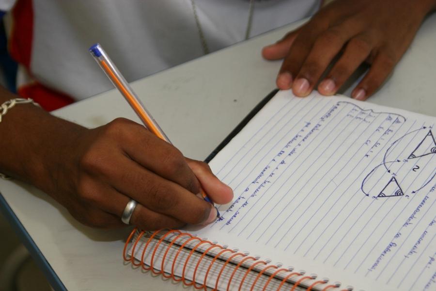 Atividades a distância das escolas estaduais de AL passam a valer como carga horária