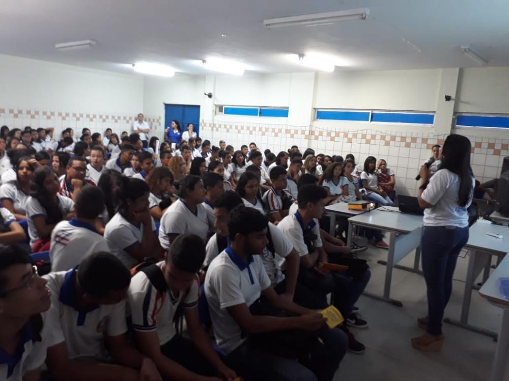 Campanha de combate à exploração sexual de crianças e adolescentes mobiliza escolas em Atalaia