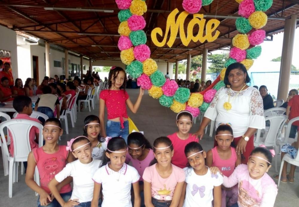 Homenagem às Mães realizada pela Escola Fortunato Bittencourt contou com a participação de Aloísio Chulapa