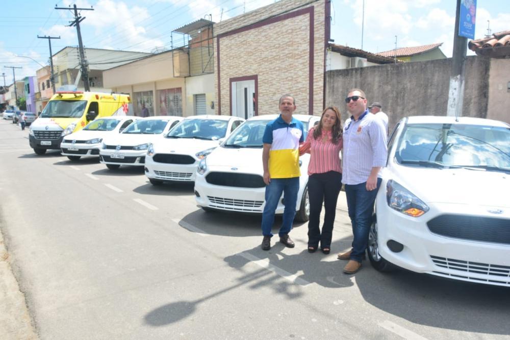 Nova frota de veículos a serviço da Saúde de Atalaia.