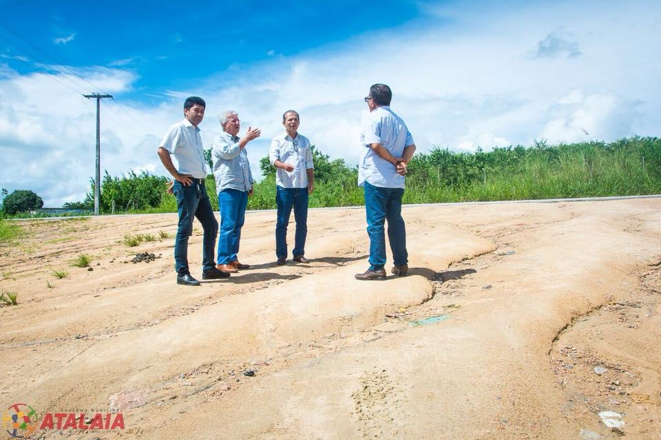 Prefeitura busca parcerias para recuperar parte das estradas vicinais de Atalaia