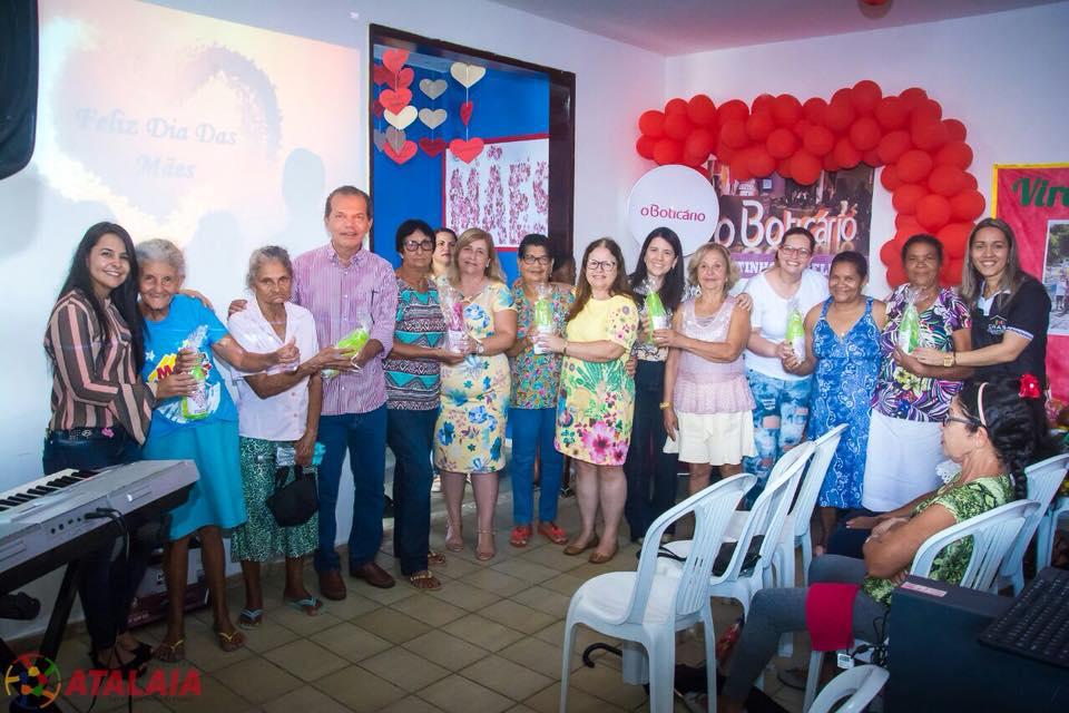 Prefeito Chico Vigário prestigia evento em homenagem às mães do Grupo de Idosos do CRAS
