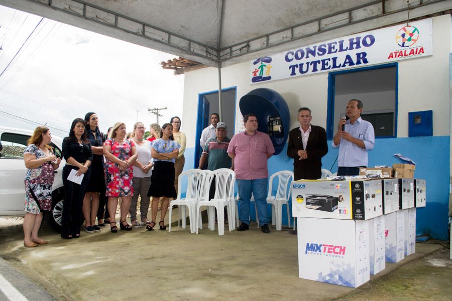 Chico Vigário reinaugura a sede do Conselho Tutelar em Atalaia