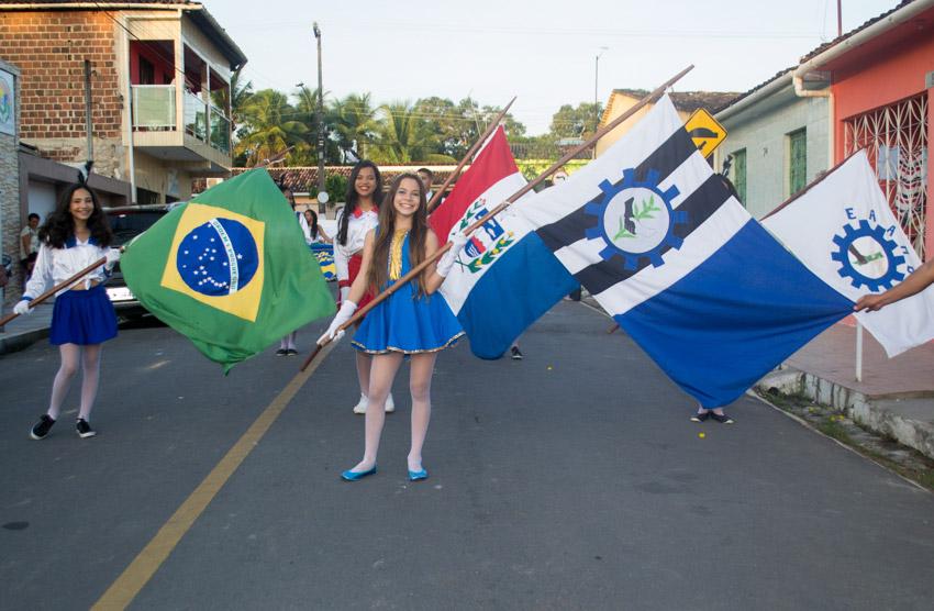Prefeitura de Atalaia promove lindo desfile cívico alusivo ao dia da Independência do Brasil