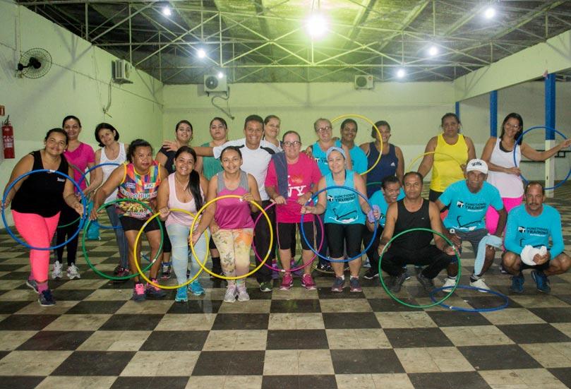 Alunos são orientados pelo professor de Educação Física, Ivanilson Araújo