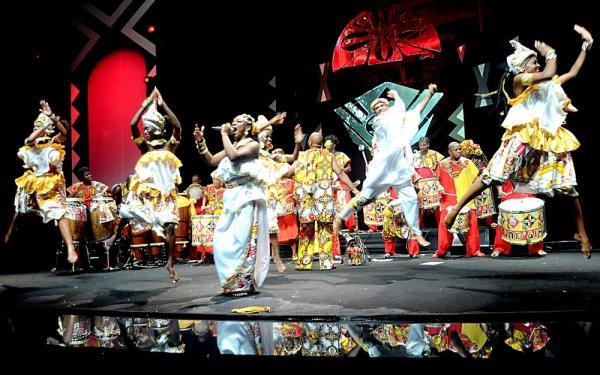 Tradicional saída do Ilê Aiyê, no carnaval de Salvador, será realizada neste sábado