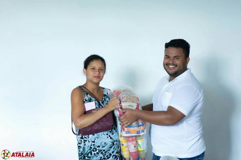 Prefeitura de Atalaia realiza a entrega de mais 724 cestas nutricionais