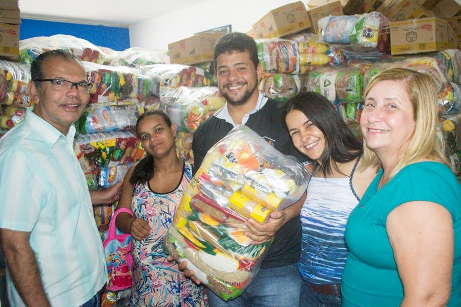 Prefeitura de Atalaia realiza a entrega de 1.024 cestas nutricionais para gestantes e nutrizes do município