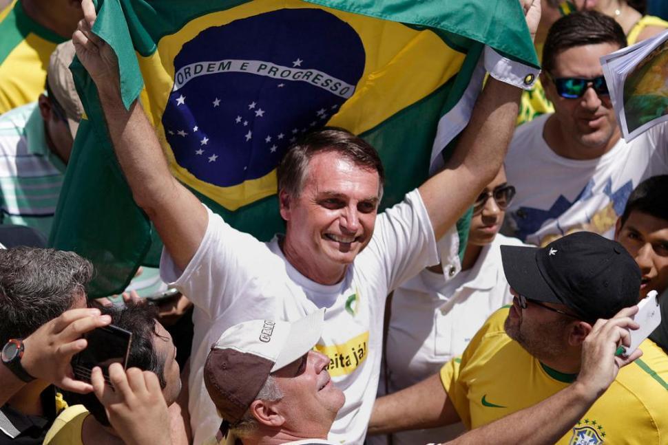 Bolsonaro abre grande vantagem, segundo último levantamento do Ibope.