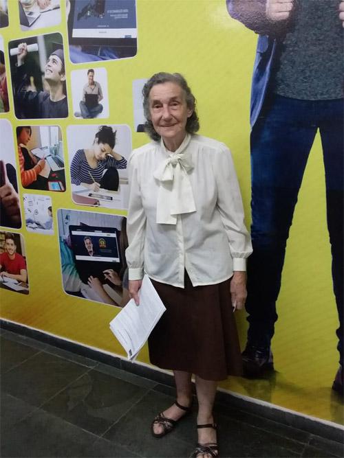 Layla Salmen Vale, de 86 anos é uma delas.