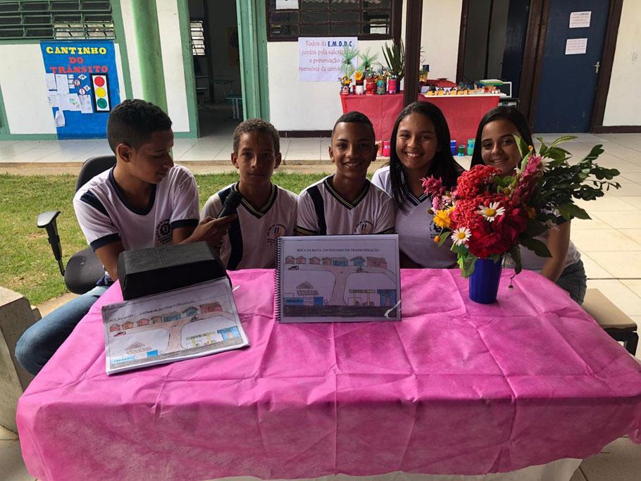 Alunos da Escola Dr. Domingos Correia participam de projeto de valorização da comunidade onde vivem