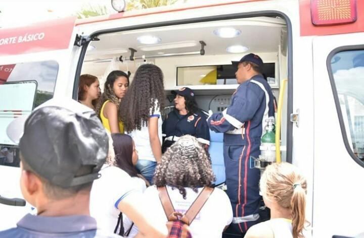 SAMU Atalaia realiza palestra e simulação de atendimento em comemoração aos cinco anos de atuação no município