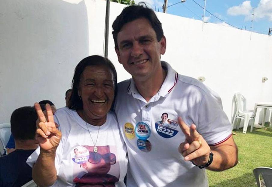 Ivanise Xararau ao lado do deputado estadual eleito, Marcelo Beltrão (MDB).
