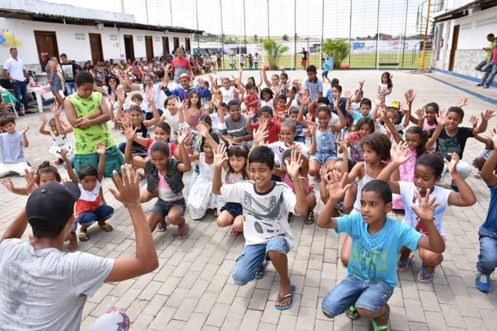 Prefeito Chico Vigário prestigia festa em comemoração ao Dia das Crianças realizada pela UBS Nova Olinda