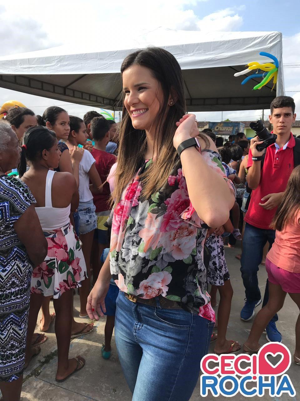 Ceci Rocha promove linda festa e leva alegria às crianças do Conjunto Deus É Fiel, em Atalaia