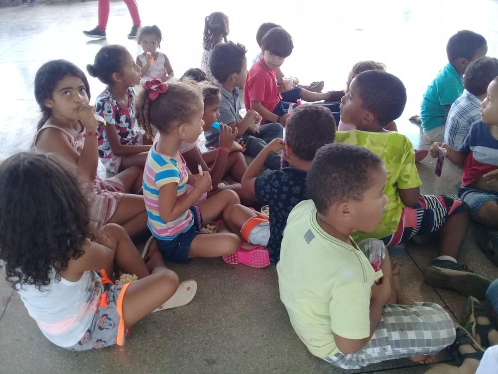 """Projeto """"Brincar, um Direito da Criança"""", promove atividades para as crianças da Creche Maria Alves Brasil"""
