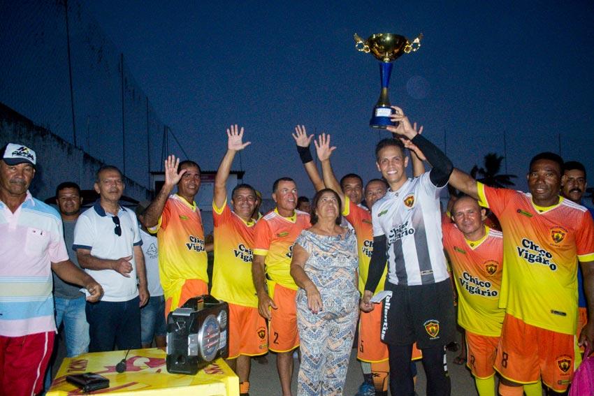 Branca conquista o 1º Campeonato de Futebol Máster de Atalaia