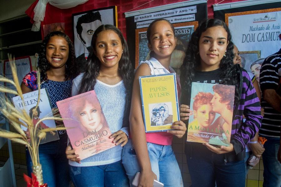 Em sua III edição, Sarau Literário da Escola Francisco Pontes apresenta os clássicos da Literatura Nacional
