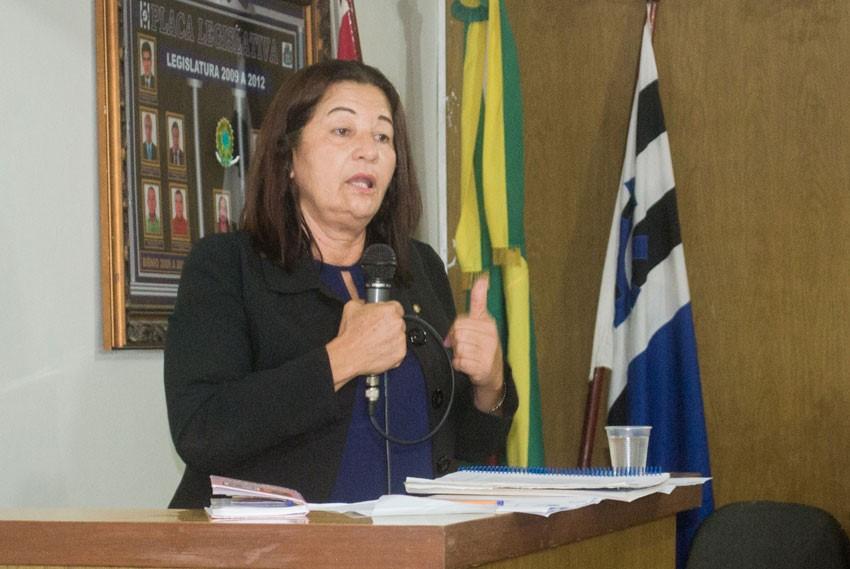 Vereadora Neide Miranda cobra do DER uma maior segurança em trecho da AL-210, no Povoado Olhos D'água
