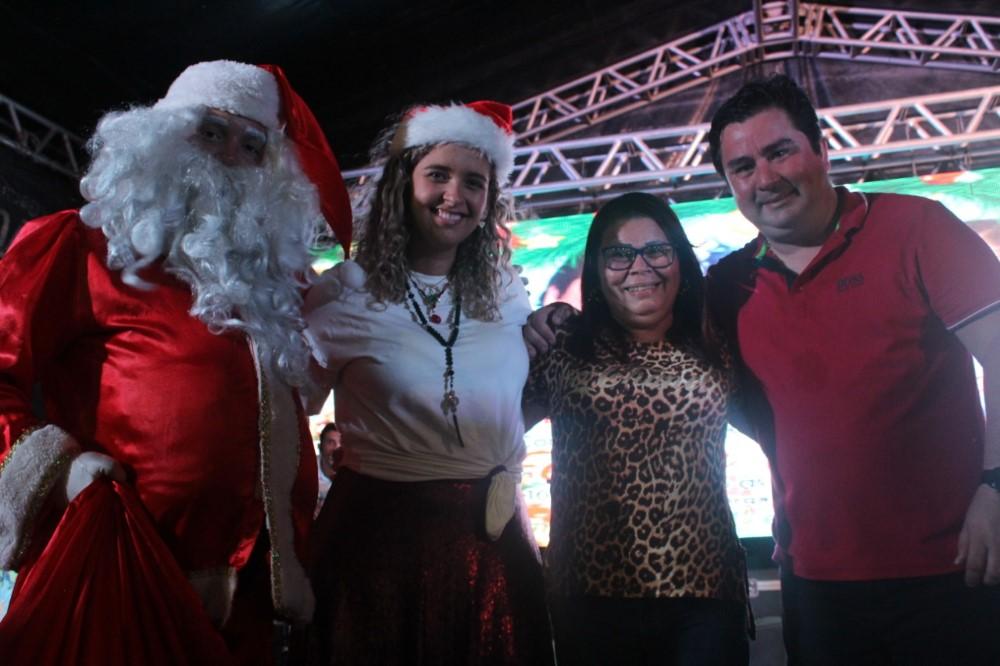 II Natal Solidário promovido pela vereadora Camyla Brasil e André Monteiro, reúne centenas de famílias atalaienses