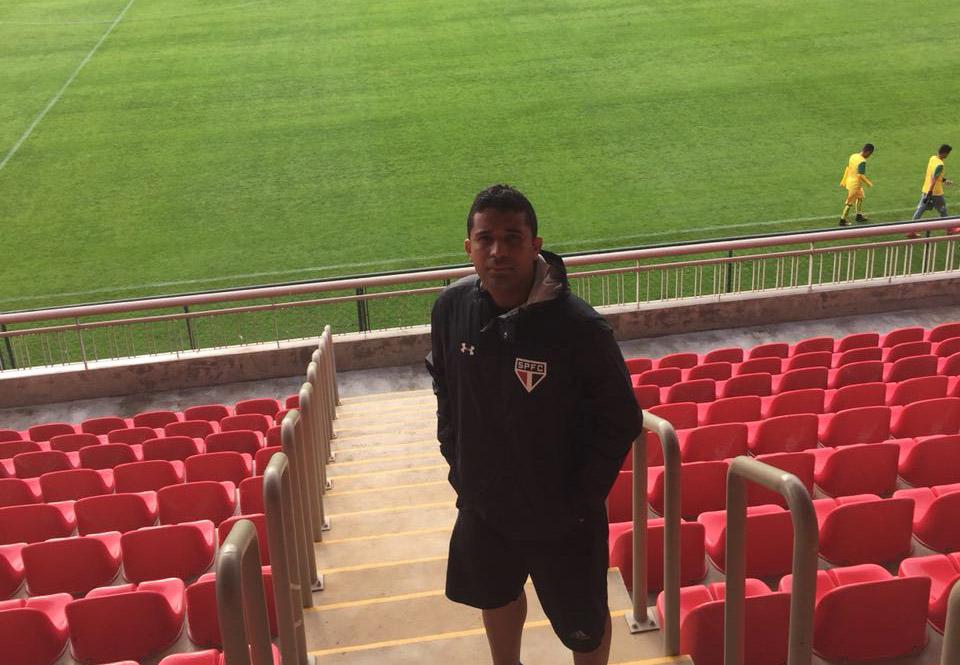 Professor de escolinhas de futebol em Atalaia faz estágio no CT de Cotia do São Paulo FC