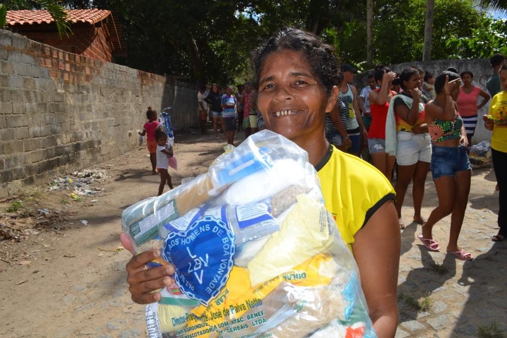 Em Atalaia, LBV renova a esperança de famílias com a campanha de Natal