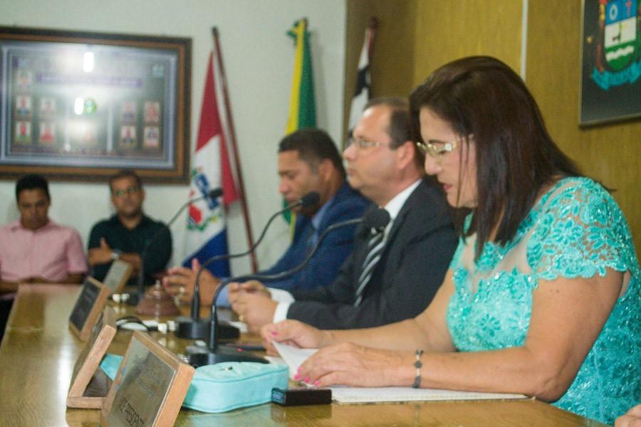 Alexandre Tenório toma posse como presidente reeleito da Câmara de Atalaia para o biênio 2019-2020