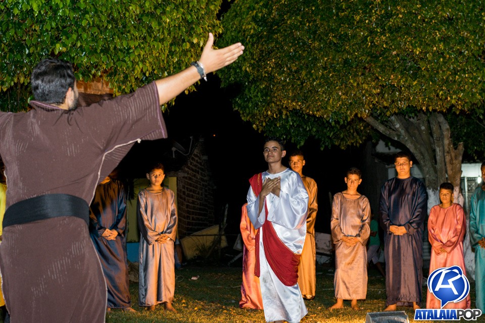 Alunos do CEPP emocionam o público com apresentação da Paixão de Cristo