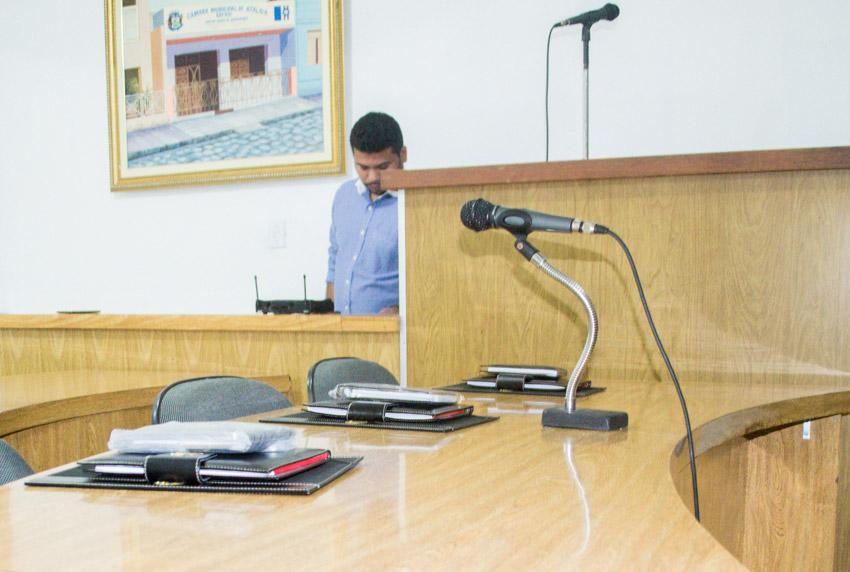 Câmara Municipal de Atalaia investe em melhorias no sistema de som do Plenário