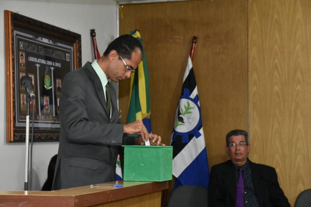 Câmara de Atalaia elege membros das Comissões Permanentes para o biênio 2019-2020