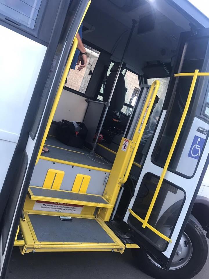 Prefeitura de Atalaia adquire micro-ônibus para atender pacientes que precisam fazer hemodiálise