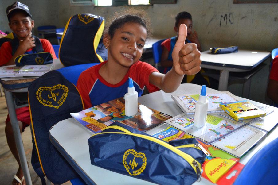 Todo esse trabalho é mantido somente com a colaboração e generosidade do povo brasileiro.
