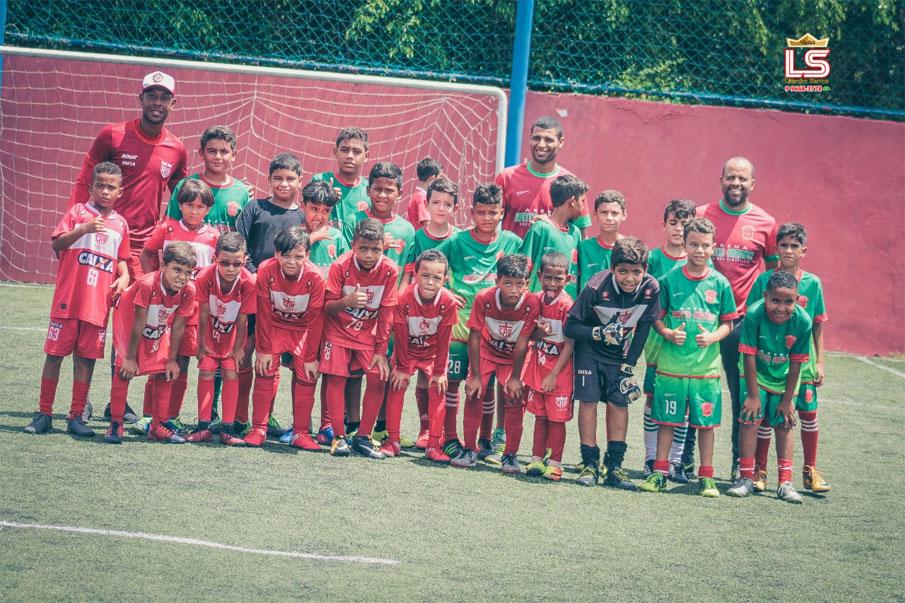 Escolinha Arena Santo Amaro em amistoso contra o CRB.