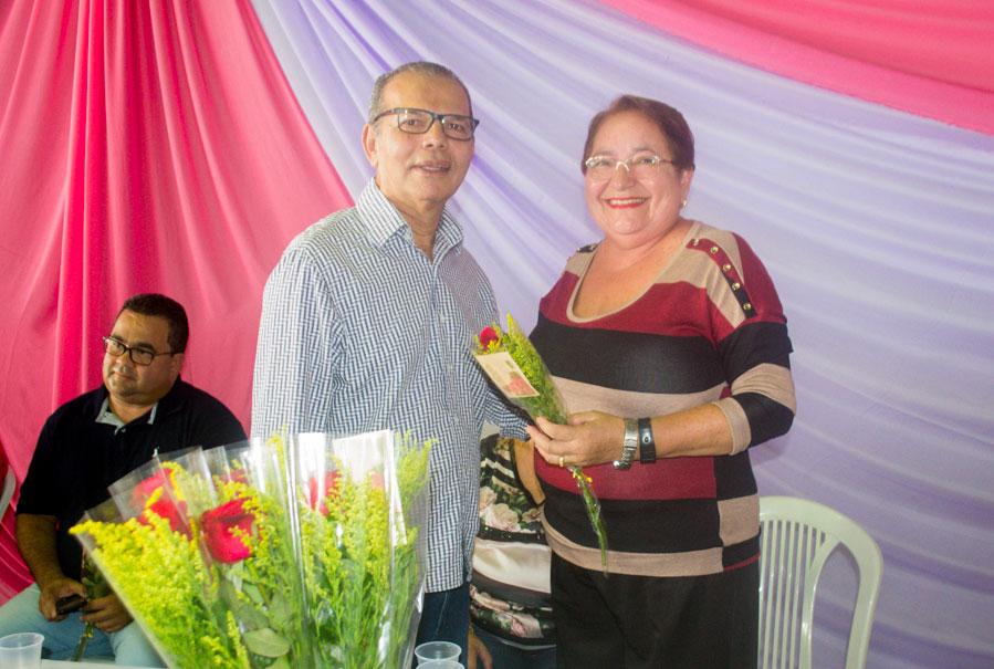 Prefeito Chico Vigário e Educadora Maidy Rocha.