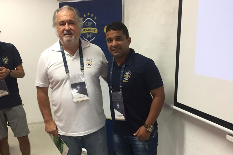 Professor de Escolas de Futebol, Alisson Farias participa de especialização para obter a Licença C da CBF Academy