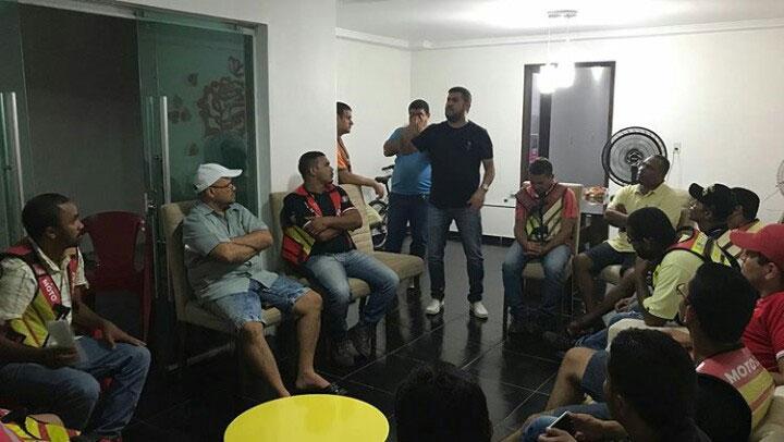 Marcos Rebollo se reúne com mototaxistas de Atalaia em busca de melhorias para a classe