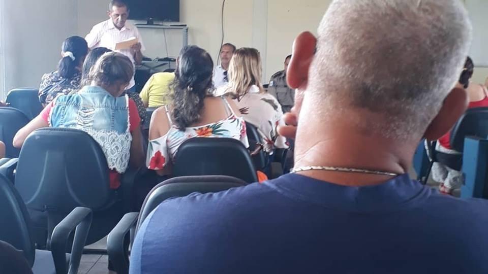 Prefeito acompanha palestra de prevenção e combate às drogas nas Escolas Municipais