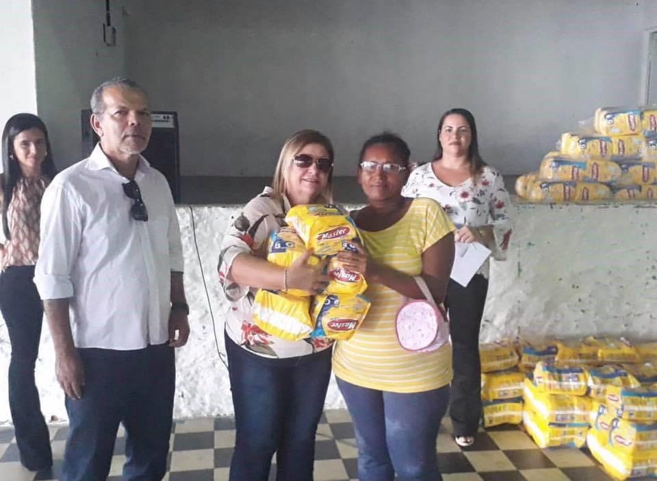Entrega de fraldas geriátricas beneficia 150 pacientes no município de Atalaia