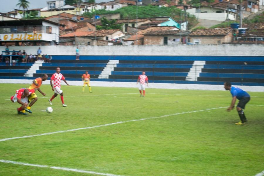 Prefeitura de Atalaia realiza Torneio de Futebol Master para celebrar o Dia do Trabalhador