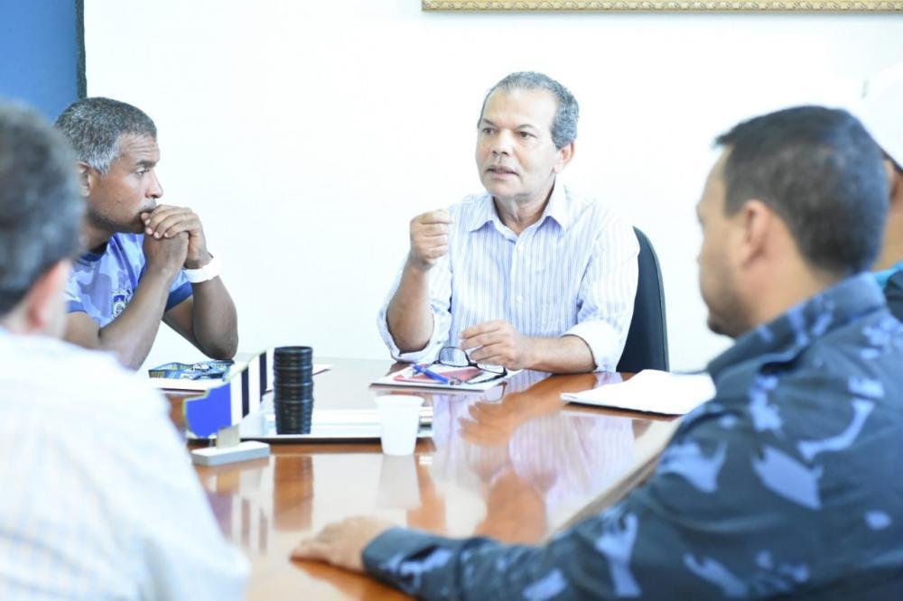 Em reunião, prefeito de Atalaia reafirma compromisso do Governo com a Guarda Municipal