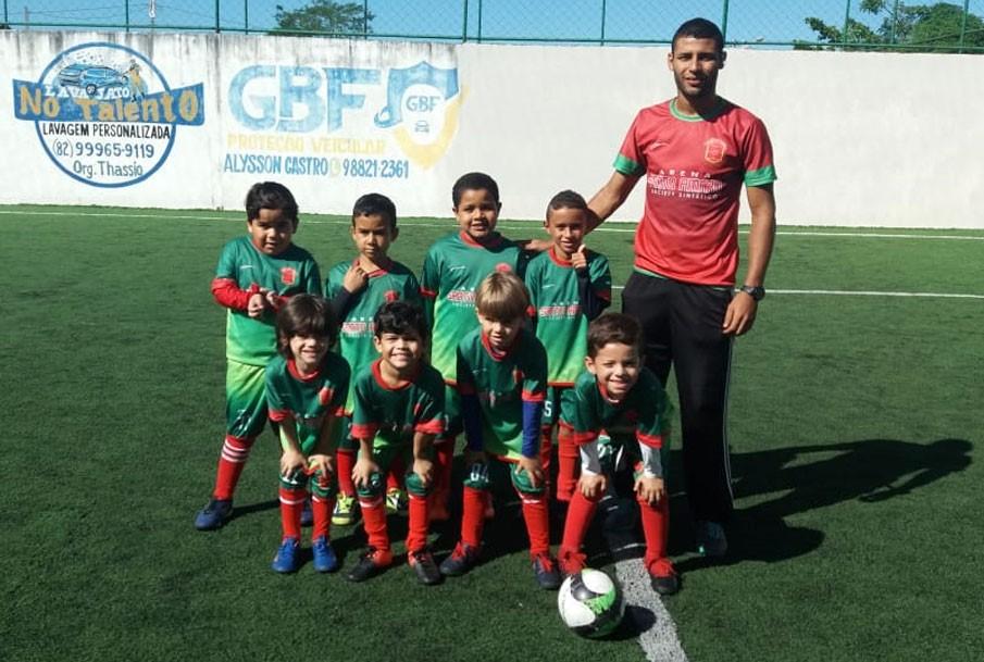 Escolinha de Futebol Arena Santo Amaro participa de amistosos na cidade de Pilar