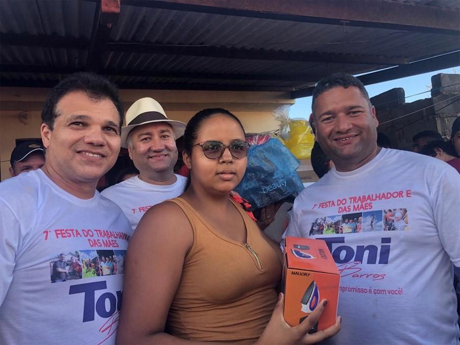 Vereador TONI BARROS promove a TRADICIONAL 7ª FESTA DO TRABALHADOR E DAS MÃES DE ATALAIA