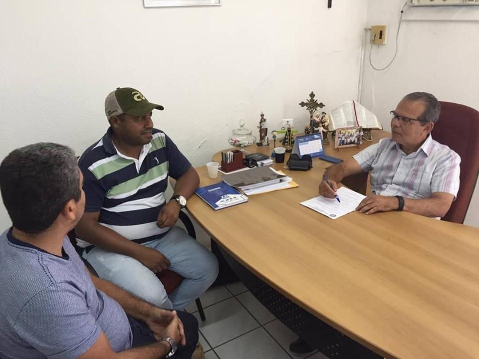 Prefeito Chico Vigário nomeia novo secretário de Agricultura